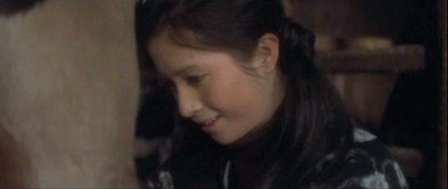 002 島で育った純情可憐な松原智恵子は、 杉良太郎の流し目の魅力にクラリときて婚約するも、 太